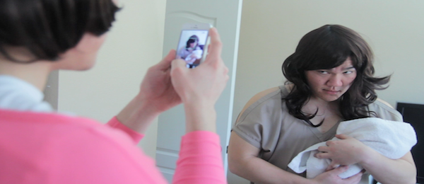 How Girls Really Instagram (Video)